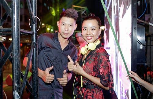 """hoa hau diem huong, truc diem """"do"""" nhan sac voi ao dai - 18"""