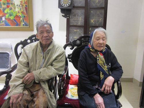 """""""nang vong phu"""" cho chong sau 4 lan nhan giay bao tu - 1"""