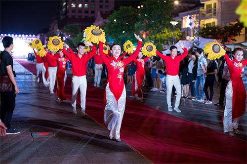 van hoa ao dai song day tai thanh pho mang ten bac - 2