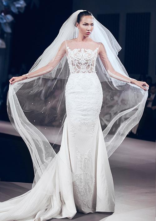 Minh Tú lộng lẫy với váy cưới đính 10 ngàn viên đá swarosky-6