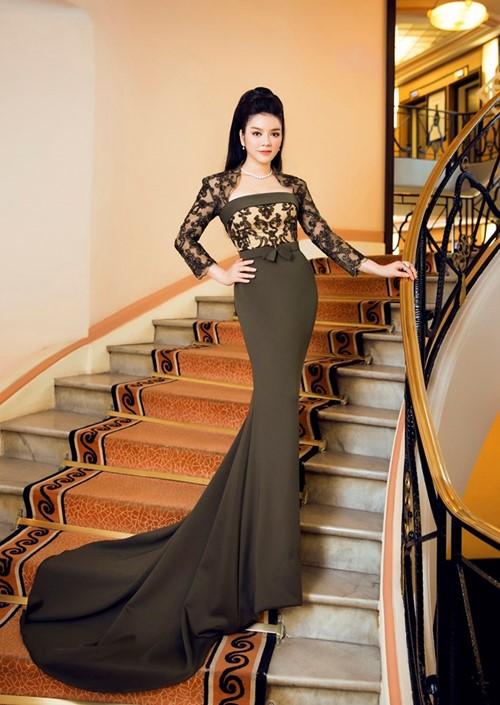 7 chiếc váy giúp Lý Nhã Kỳ
