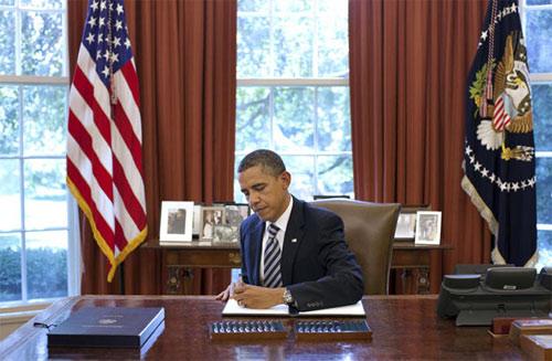 Những hình ảnh để đời của Tổng thống Obama-19