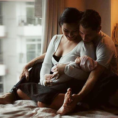 Phương Vy Idol hạnh phúc bên con gái 3 tuần tuổi-1