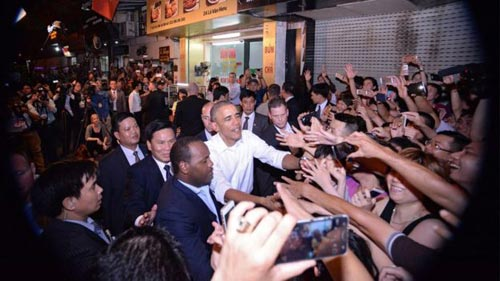 "6 diem ""la"" trong bua bun cha cua tong thong obama - 2"