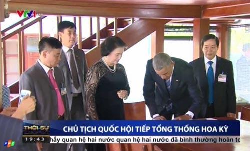 chuyen chiec but obama dung de tang o nha san bac ho - 1