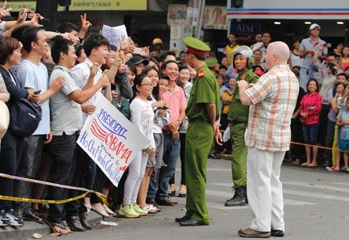 Đặc vụ Mỹ thân thiện với người dân Sài Gòn-2
