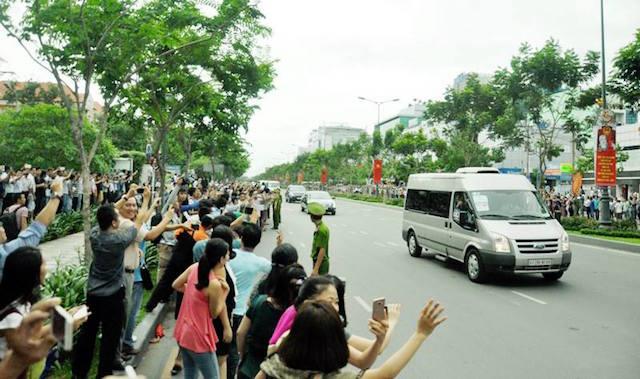 Khám phá dàn siêu xe chở Tổng thống Obama ở Sài Gòn-6
