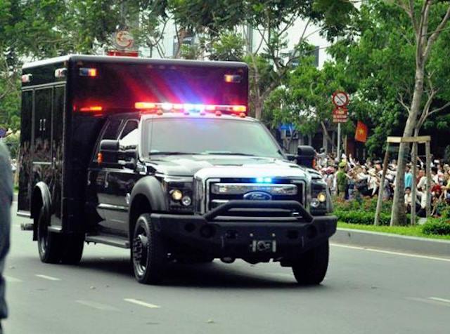 Khám phá dàn siêu xe chở Tổng thống Obama ở Sài Gòn-8