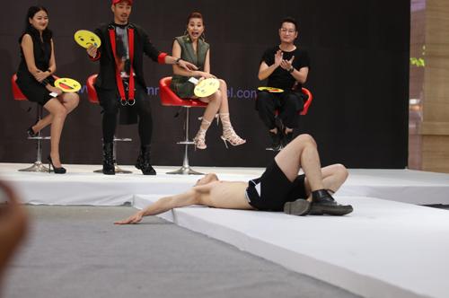 VNTM 2016: Cười ngất xem thí sinh lăn lê trên sàn diễn-3