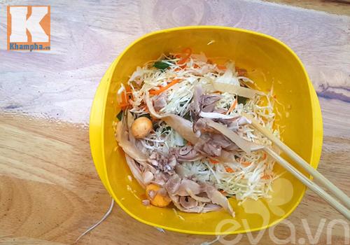 Ngỡ ngàng với cách lọc thịt 1 con gà trong 2 phút - 5