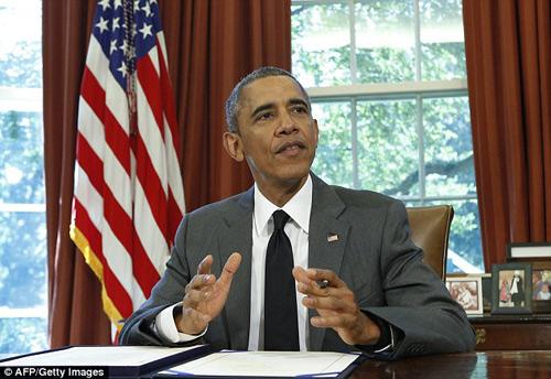 Những lần ông Obama tháo nhẫn để bắt tay gây tranh cãi-6