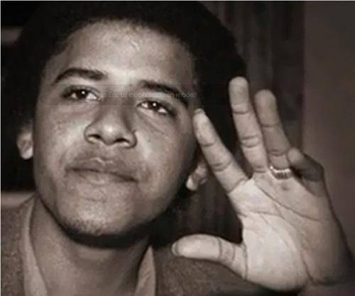 Những lần ông Obama tháo nhẫn để bắt tay gây tranh cãi-9