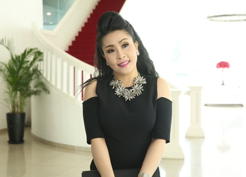 NSND Ngọc Giàu, Kiều Oanh làm giám khảo Cười xuyên Việt 2016-2