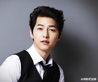 """song joong ki la """"nam than quoc dan"""" cua han quoc - 2"""