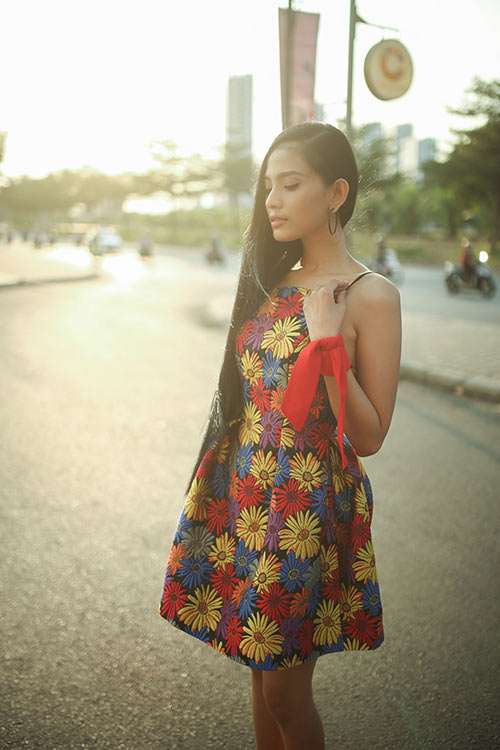 Trương Thị  May đẹp dịu dàng xuống phố ngày nắng - 6