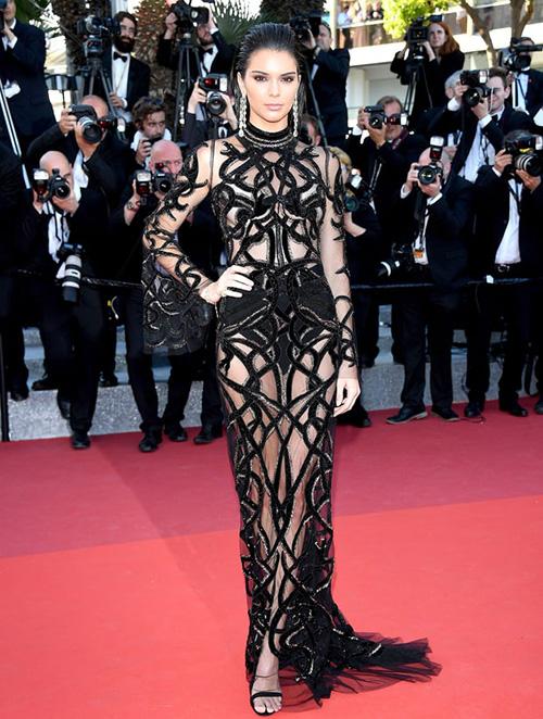Những chiếc váy gây tốn giấy mực nhất tại Cannes 2016 - 6