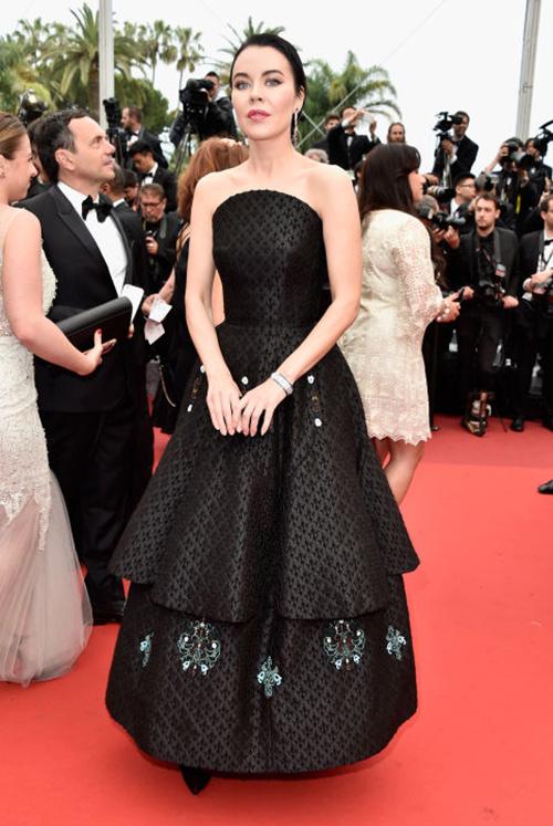 Những chiếc váy gây tốn giấy mực nhất tại Cannes 2016 - 14