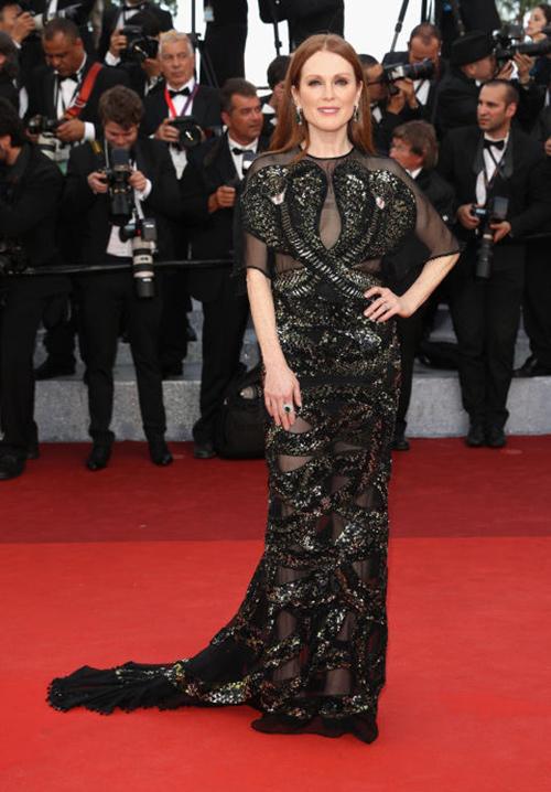 Những chiếc váy gây tốn giấy mực nhất tại Cannes 2016 - 16