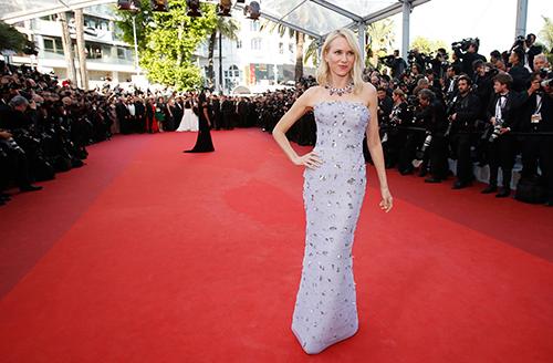 Những chiếc váy gây tốn giấy mực nhất tại Cannes 2016 - 15