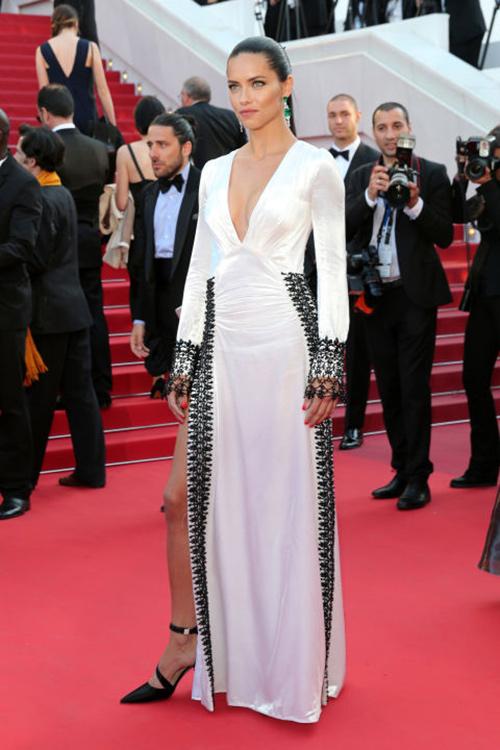 Những chiếc váy gây tốn giấy mực nhất tại Cannes 2016 - 9