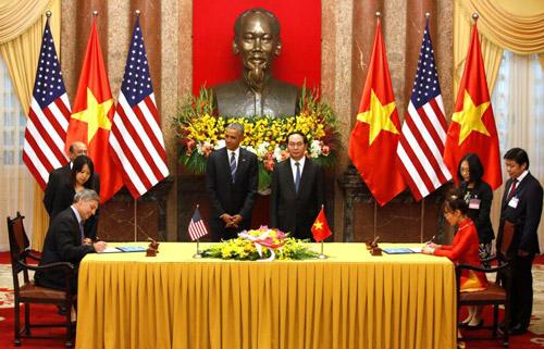 Hình ảnh Obama đến Việt Nam qua lăng kính quốc tế-11