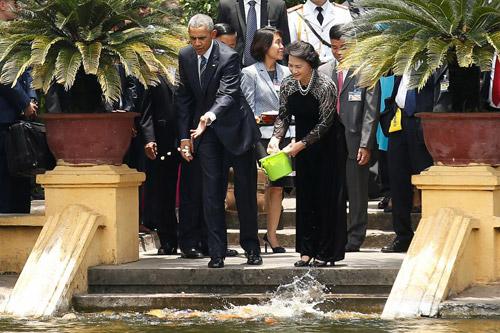 Hình ảnh Obama đến Việt Nam qua lăng kính quốc tế-5