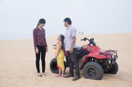 """ban trai ngoc lan """"doi dau"""" nhan phuc vinh trong phim - 7"""