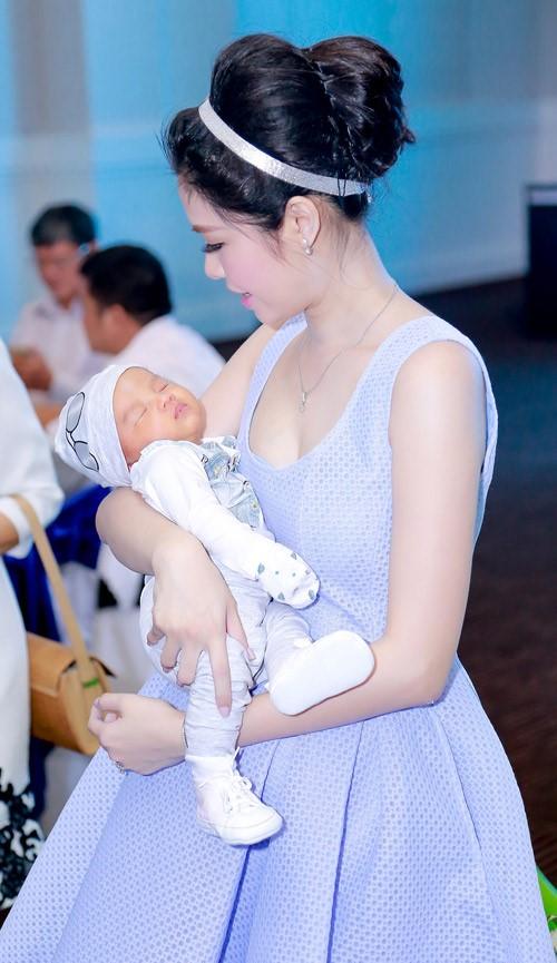 Cựu hotgirl Hà Nội chia sẻ cách hút và rã đông sữa mẹ - 3
