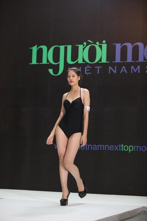 vntm 2016: thi sinh mat xinh, dang chuan do dang voi dan trai 6 mui - 1