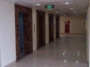"""Nhà đẹp - Nhà phạm thế """"hổ rình mồi"""" khi thang máy """"chầu"""" trước cửa"""