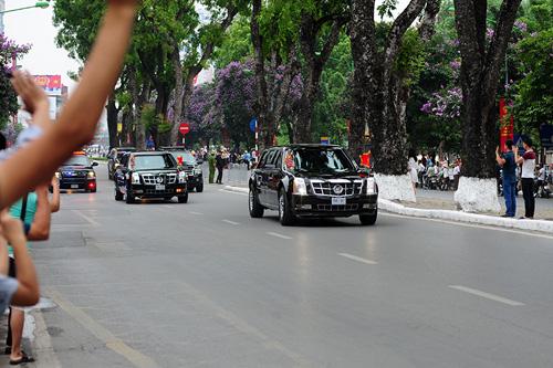 """csgt """"mo duong"""" cho ong obama: bao ve tong thong nhu phim - 3"""