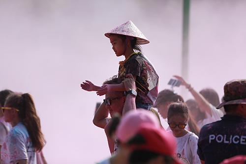 hon 7.000 ban tre thu do tham du duong chay sac mau 2016 - 11