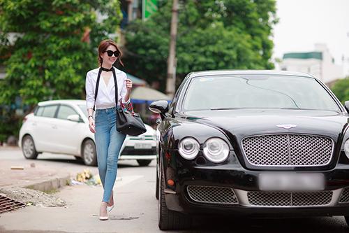 "ngoc trinh khoe kheo vong 3 ""boc lua"" voi quan jeans - 4"