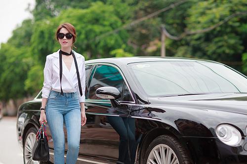 "ngoc trinh khoe kheo vong 3 ""boc lua"" voi quan jeans - 5"