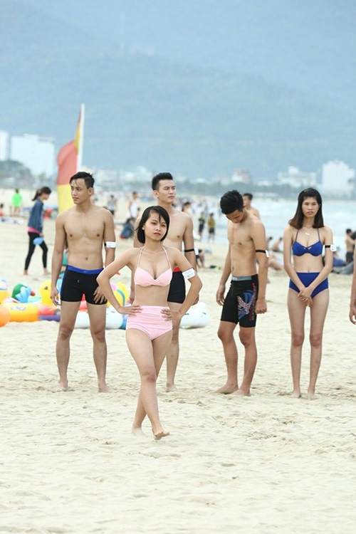 lan dau tien thi sinh 1m57 vuot qua so khao next top - 3