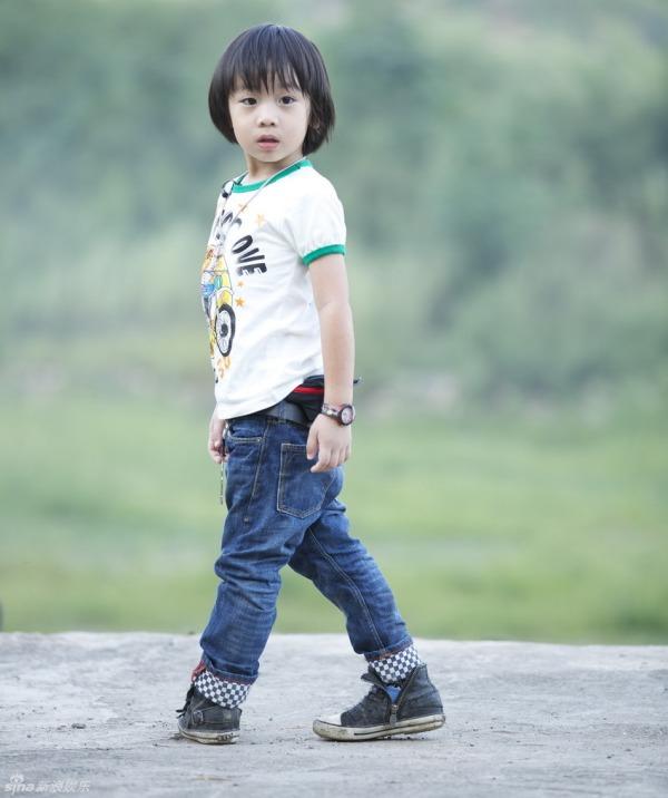 "ngam cap sinh doi dep trai ""y chang bo"" cua lam chi dinh - 5"
