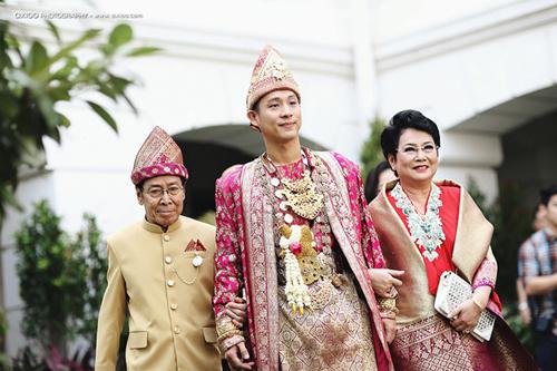 "nguong mo dam cuoi ""dat"" vang cua tai tu indonesia - 2"