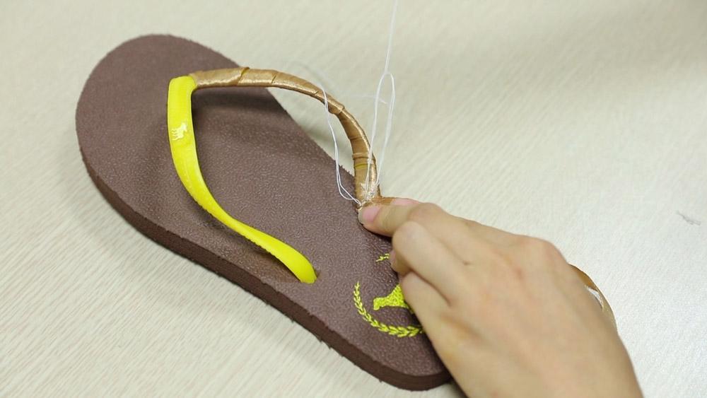 che tong thanh sandals sieu xinh di bien - 4