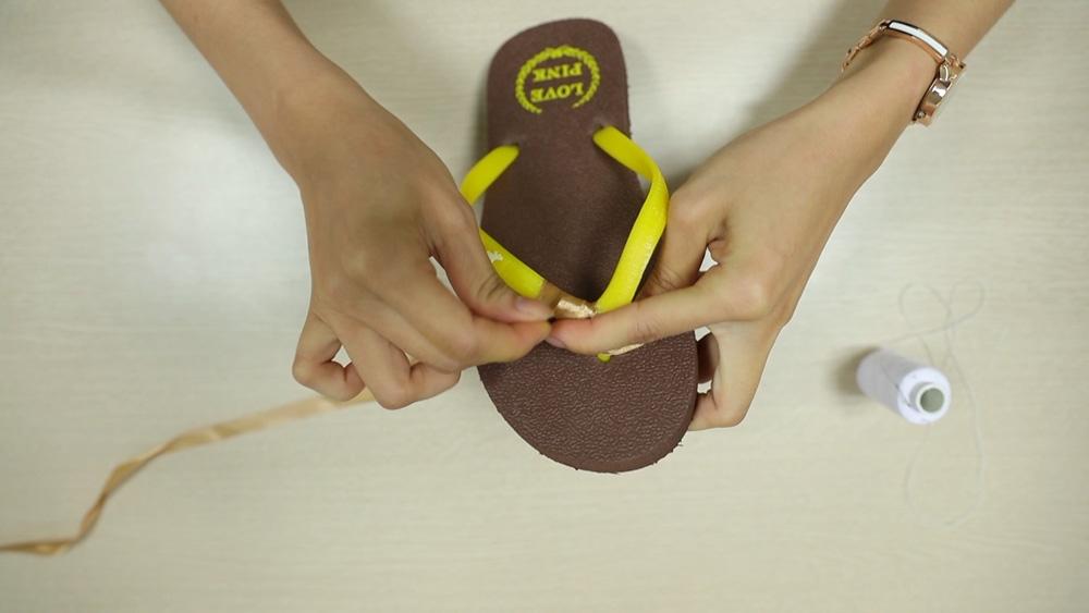 che tong thanh sandals sieu xinh di bien - 2