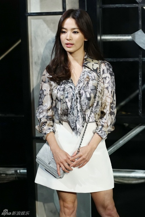song hye kyo dep lan at dan sao quoc te trong show chanel - 1
