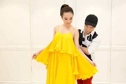 do manh cuong cham chut vay ao cho angela phuong trinh - 9
