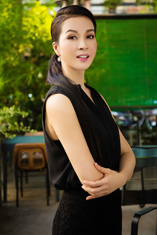 "doi ban than y phung - thanh mai ""do"" ve xinh dep khi hoi ngo - 6"