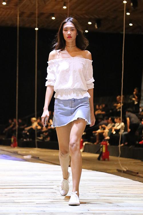 do manh cuong tat bat chay nuoc rut cho show xuan he 2016 - 11