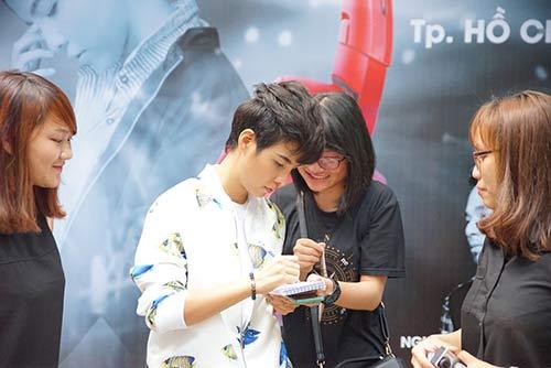 """fan nu """"phat cuong"""" vi vu cat tuong - 6"""