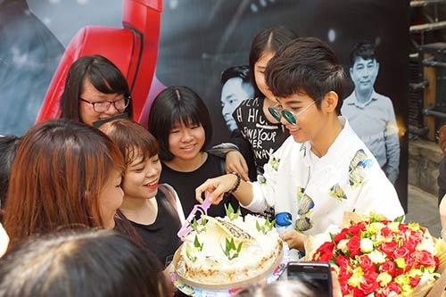 """fan nu """"phat cuong"""" vi vu cat tuong - 3"""