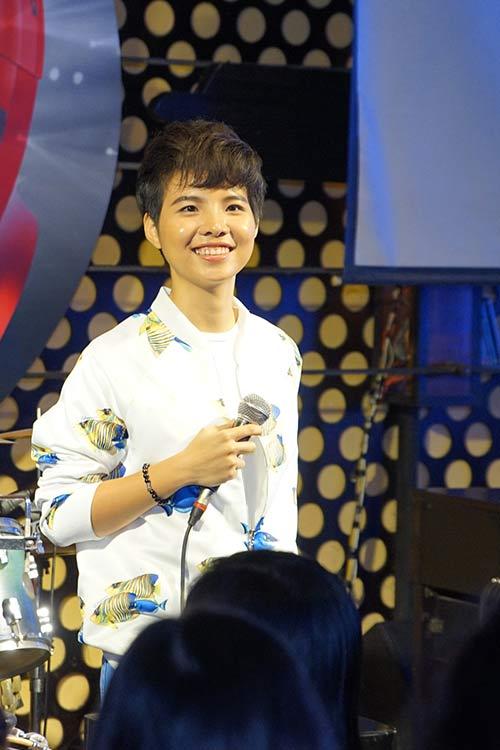"""fan nu """"phat cuong"""" vi vu cat tuong - 4"""