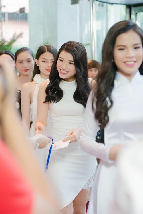 nhan sac tuoi xinh cua dan thi sinh chung khao phia nam hhvn 2016 - 1