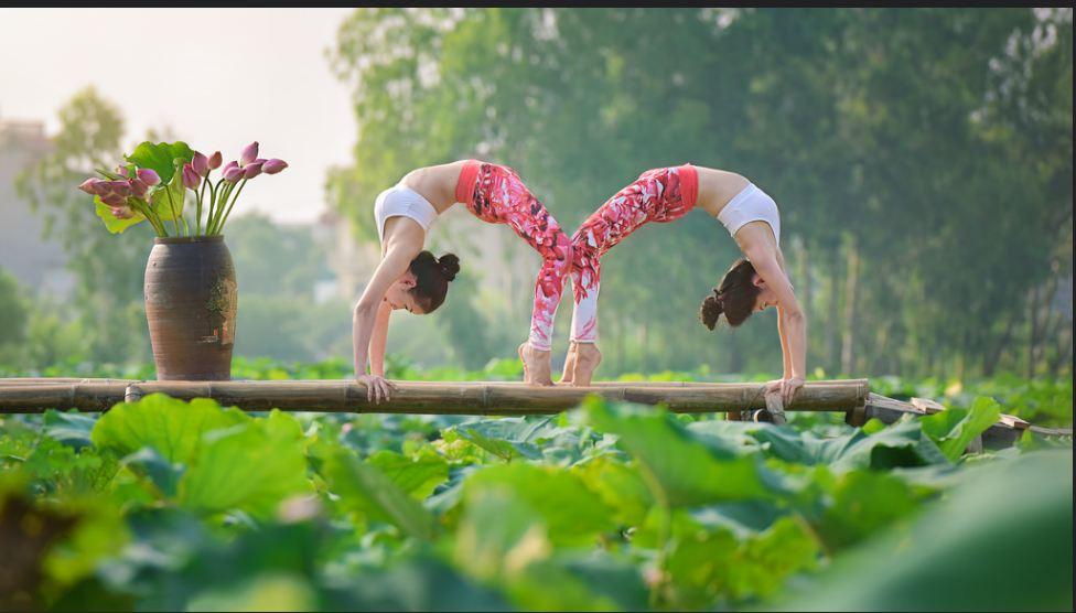 doi ban than 36 tuoi ha noi khoe than hinh tuyet dep nho yoga - 1