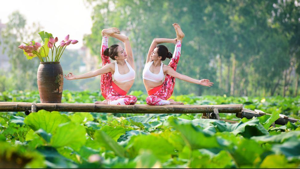 doi ban than 36 tuoi ha noi khoe than hinh tuyet dep nho yoga - 2