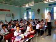 Tin tức - 'Lương giáo viên sống được thì không cần cấm dạy thêm, học thêm'